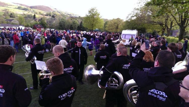 Vi venter på at det bliver vores tur til at spille i en af landsbyerne til Whit Friday.