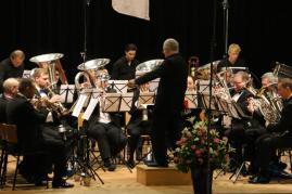 Concord Brass Band på scenen under udførelsen af Metropolis 1927. Foto: Svogerslev Musikforening - se flere fotos fra sagen på svogerslevmusik.dk.